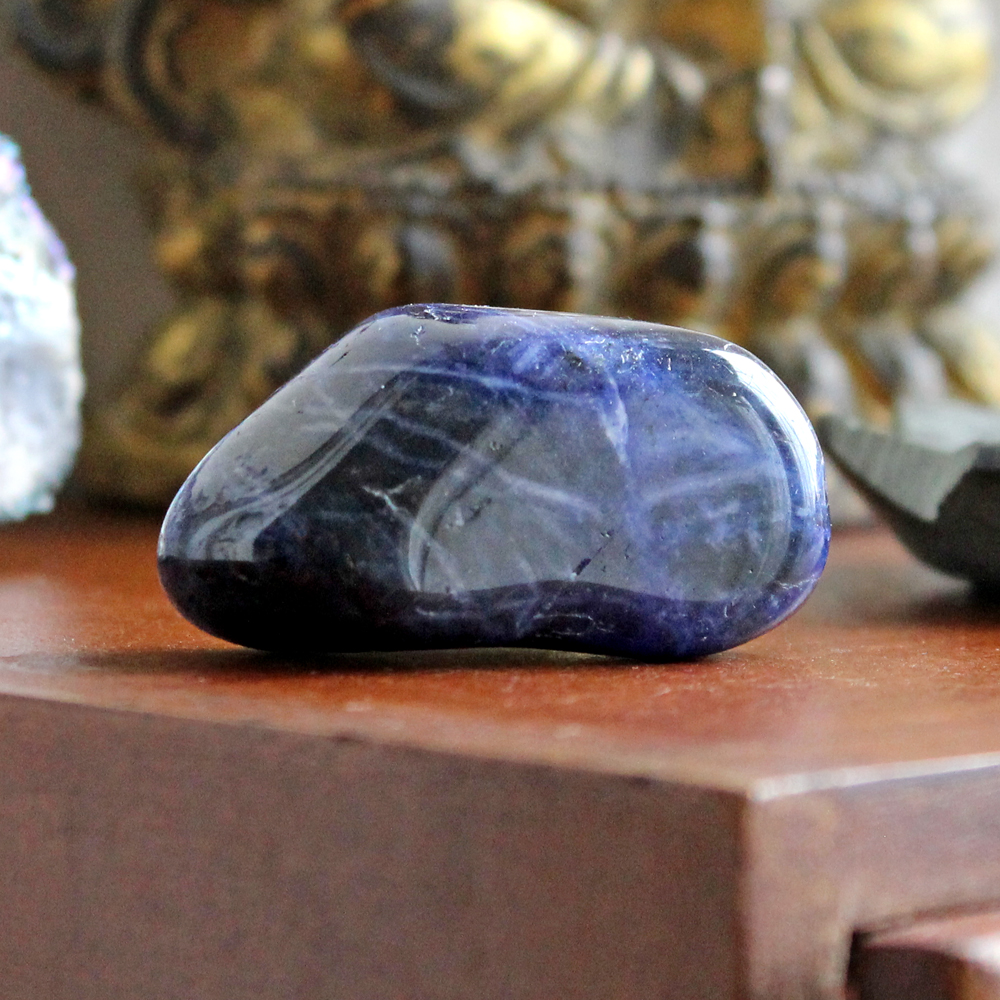 Sodalite for mental clarity