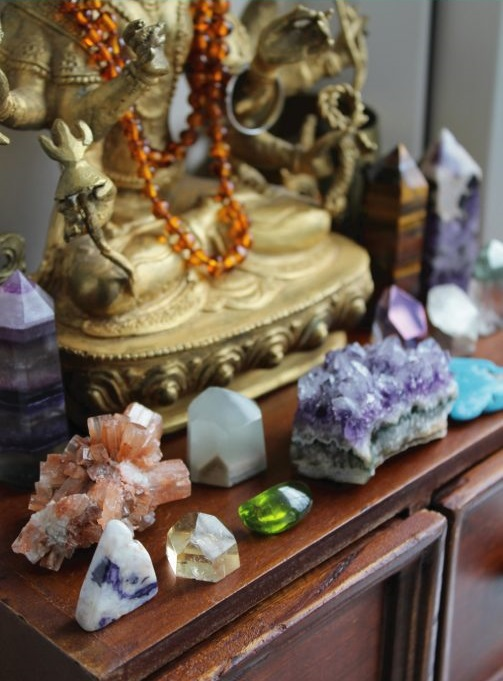 Crystals for your home altar