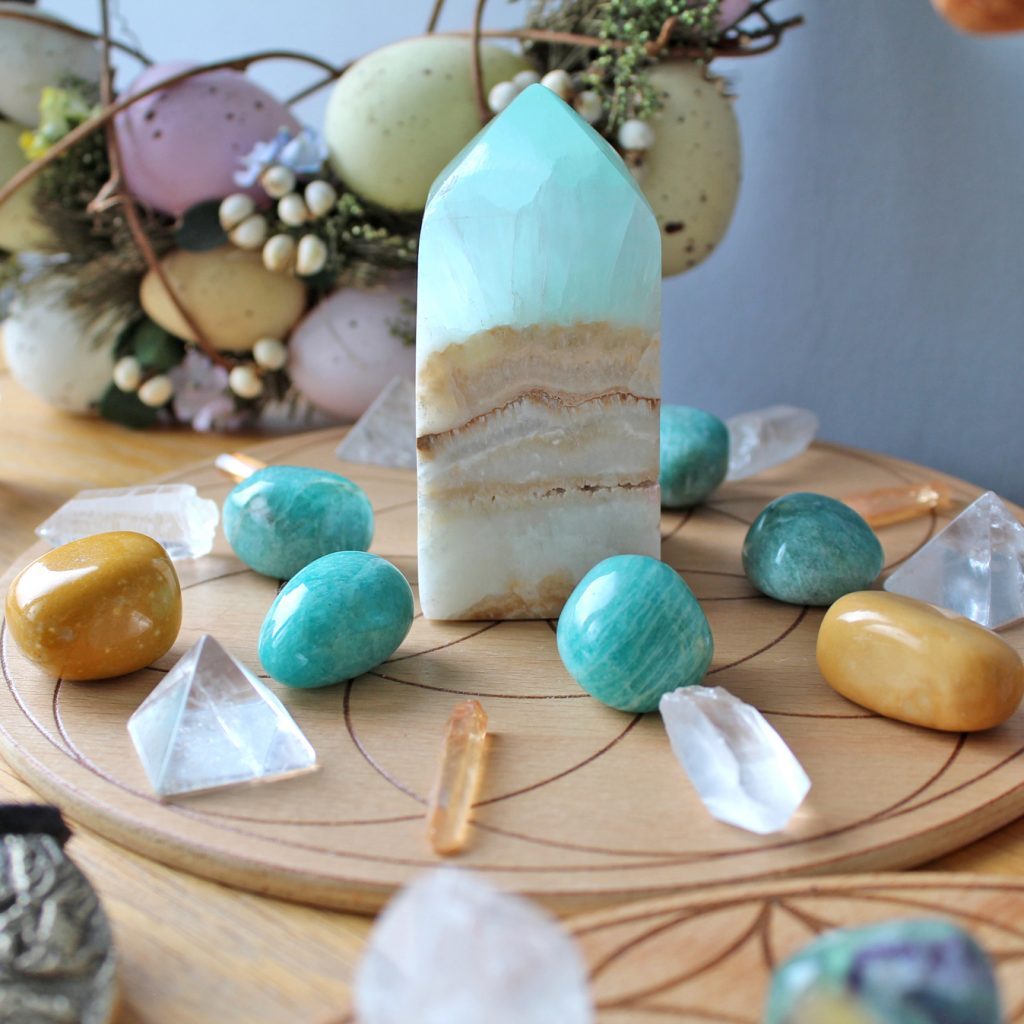 Crystal grid with Caribbean Calcite