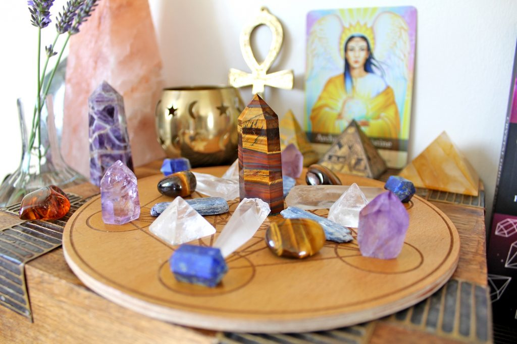 Lions gate crystal grid, crystals and altar